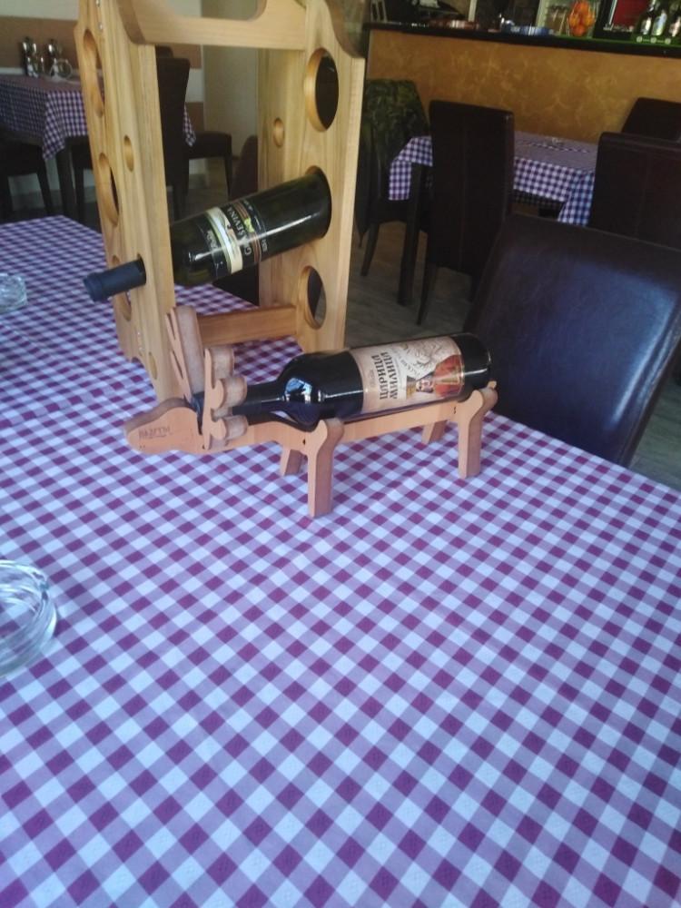 Kutije i stalci za vino